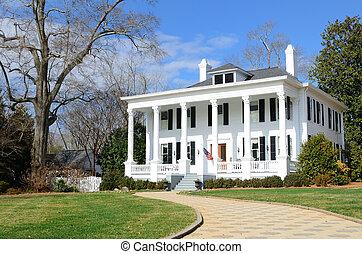 Historic Antebellum house in Madison, Georgia.
