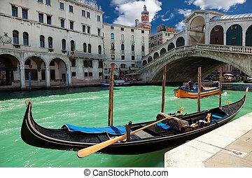 Beautiful view of Rialto bridge in Venice, Italy