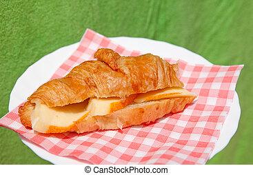 croissant sandwich