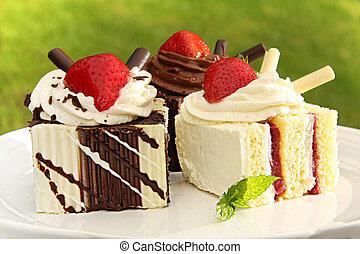 Summer chocolate and strawberry dessert cakes.