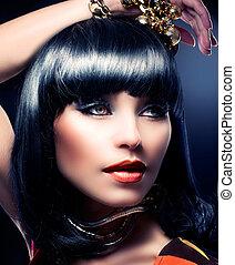 Fashion Beauty Model Portrait. Beautiful Brunette Girl