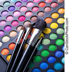 Makeup Brushes And Make-up Eye Shadows