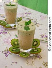 Vitamin drink- kiwi banana smoothie