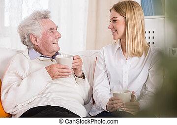 Volunteer in care home