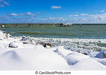 Winter on the pier in Sassnitz (Germany).